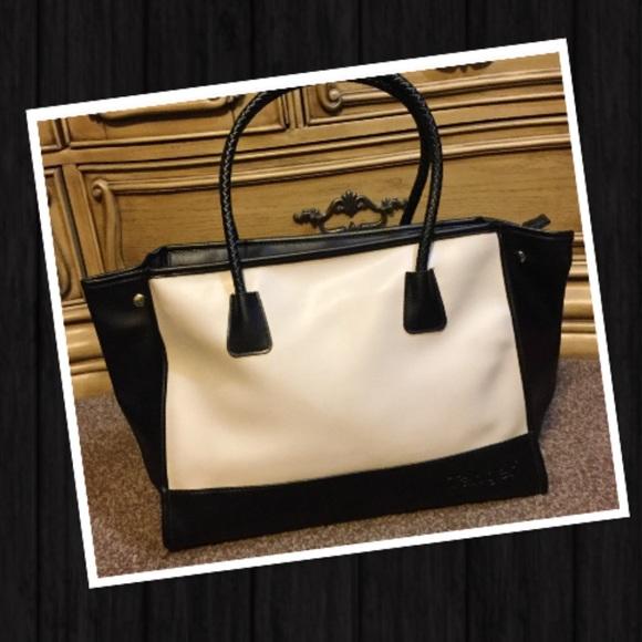Tanger Bags   New Tan Black Tote   Poshmark 8b28625688
